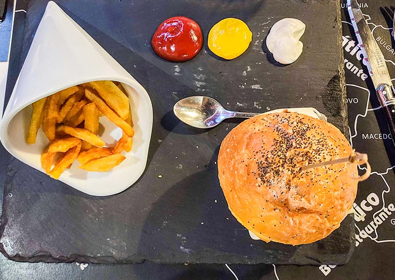 hamburguesa restaurante adriático león